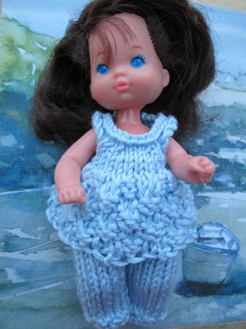 """Vêtements pour """"gros bébés"""" de barbie"""