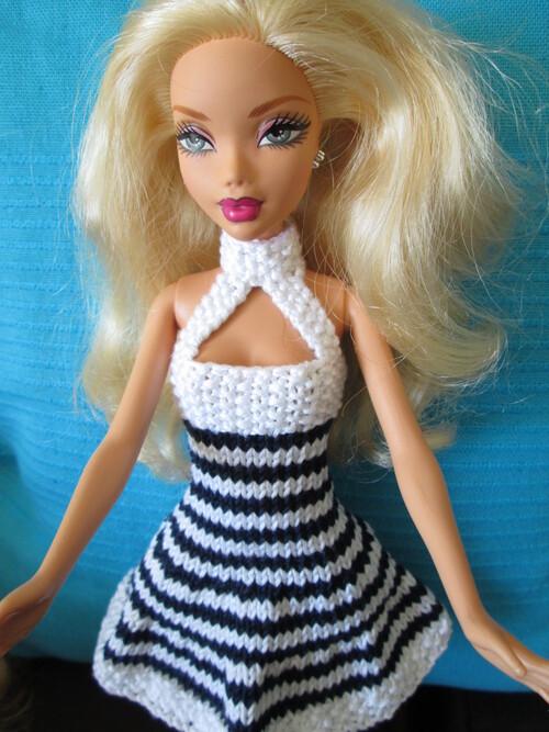 Robe à rayures pour barbie