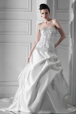 Robe de mariée ligne A en satin sans bretelle