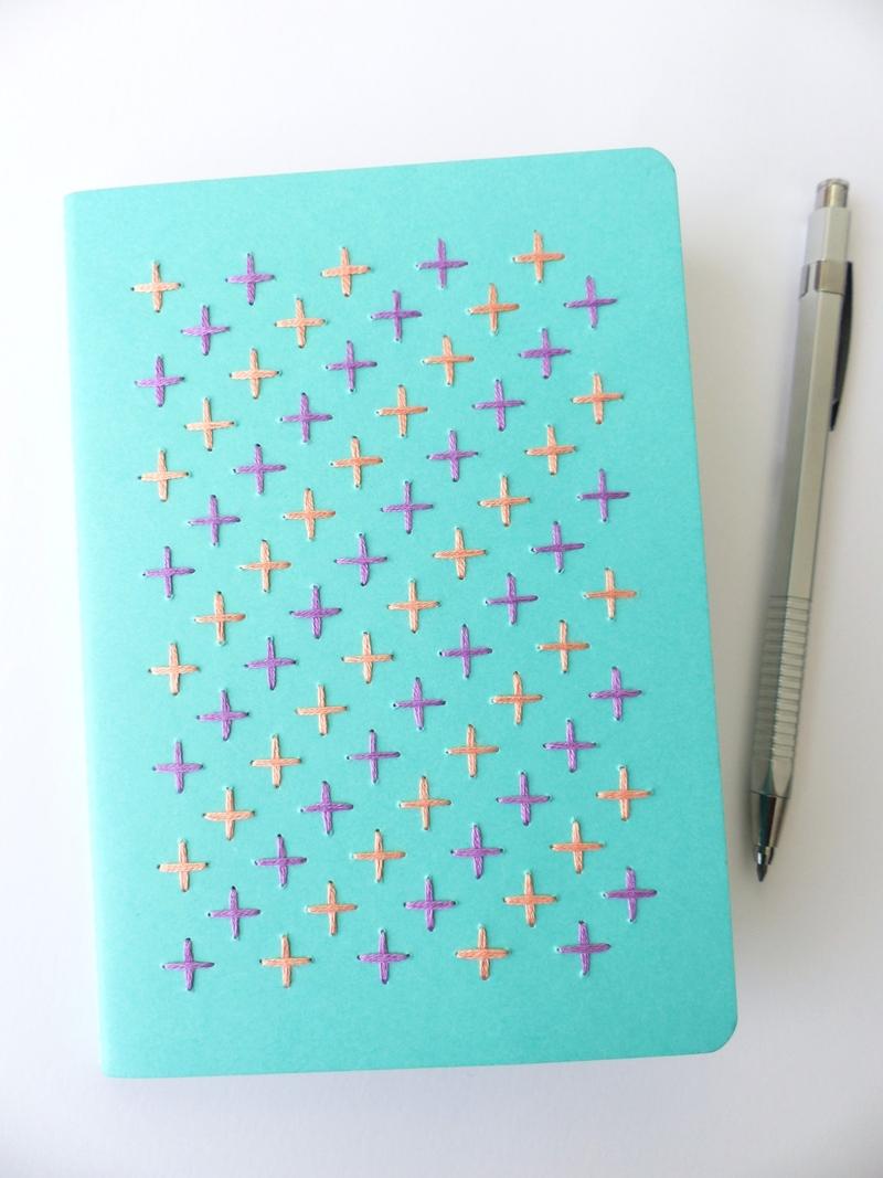 carnet turquoise points de croix