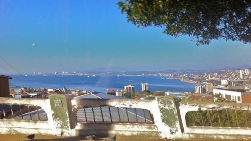 J 210, 5 avril : arrivée à Valparaiso