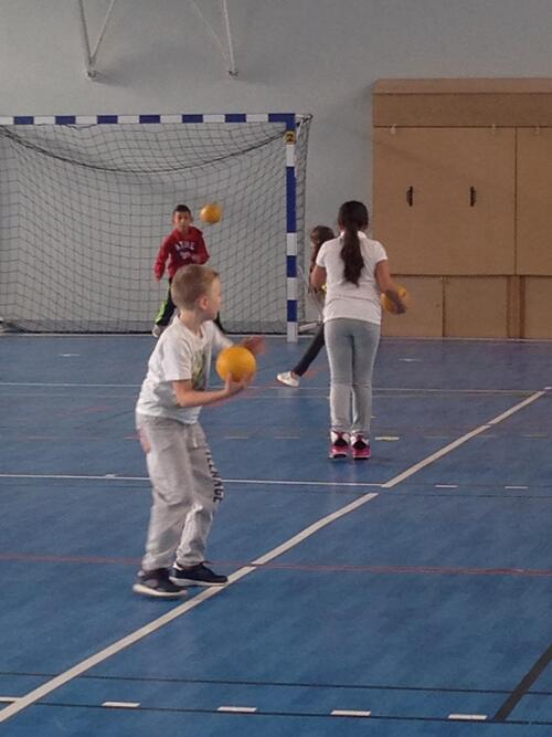 We play Handball!!!