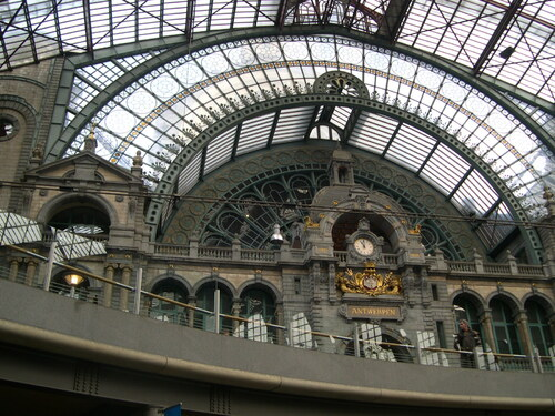 Anvers gare Eiffel verrière horloge Hollande