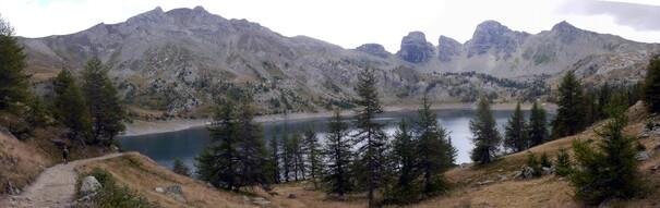 Voicile lac dans toute sa splendeur malgré l'absence du soleil