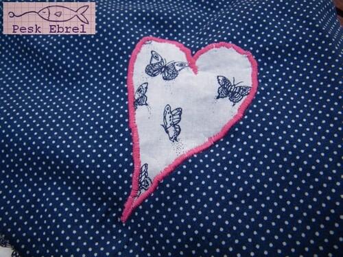 La chemise de nuit aux papillons