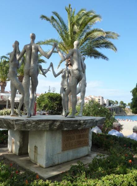 Banyuls - sculpture de la sardana