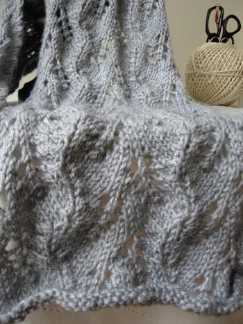 écharpe fougère grise 002