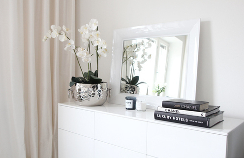 books, chanel, room, fashion, white, decor, mirror, flowers