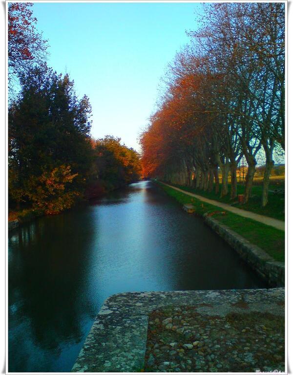 Le canal du Midi aux couleurs de novembre