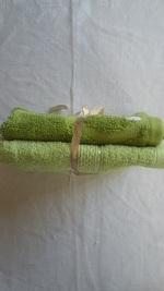 bavoirs vert chartreuse