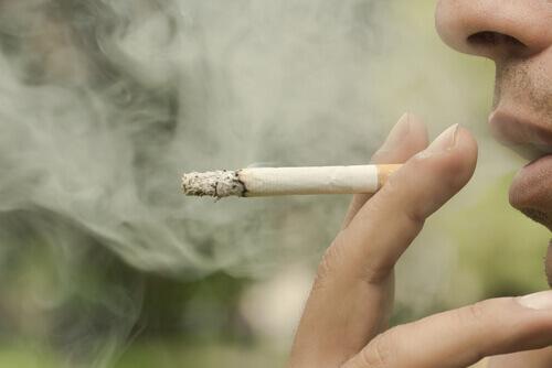 fumer gencives qui saignent
