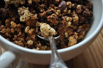 Granola aux noisettes et pralin