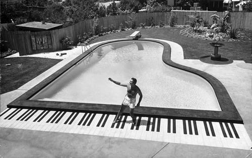 Le piano-piscine de Liberace...
