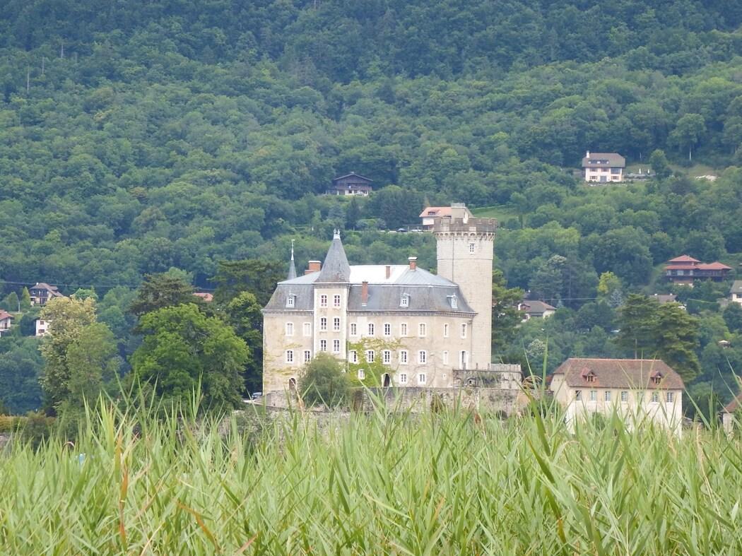 Le chateau de Duingt sur le lac