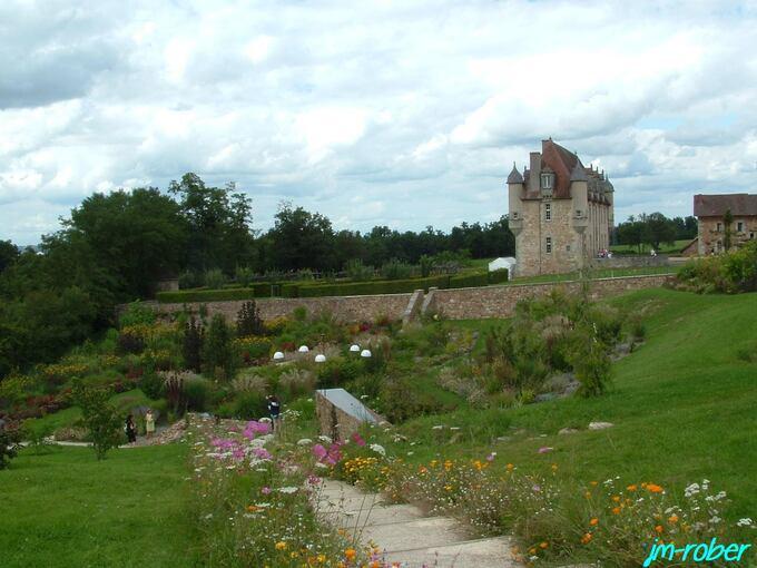 Limousin: Aujourd'hui, sort le 1er Album de Nina Simone  «All is Well»  enregistré dans l'enceinte du Château de La Borie.