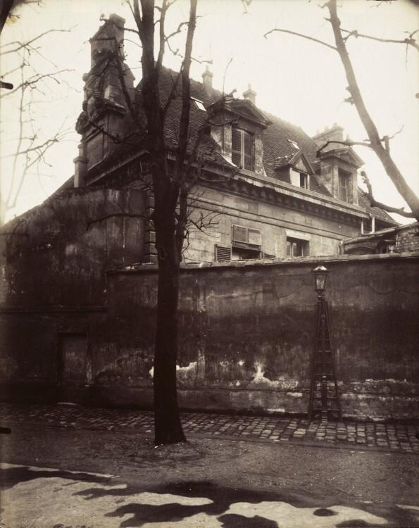Atget Paris Ancien Couvent Avenue de lObservatoire 595x750 Le Paris de 1900 par Atget