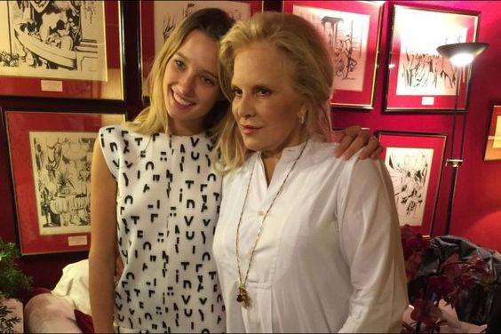 Sylvie VARTAN  et sa petite fille Ilona - 2015: