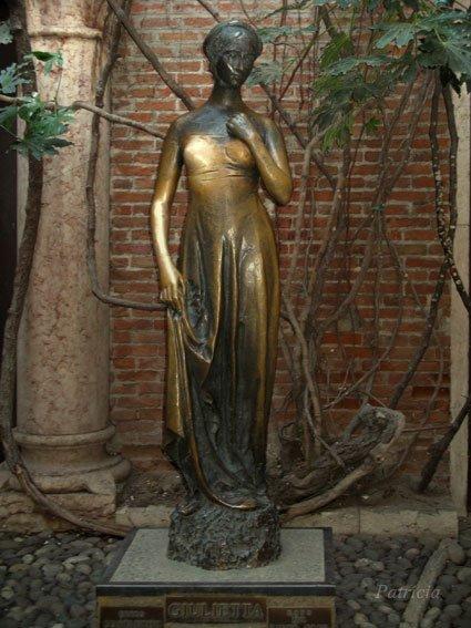 JULIETTE CAPULET (ROMEO ET JULIETTE)