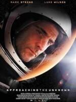 En approchant l'inconnu : Le capitaine William D. Stanaforth, un brillant scientifique et astronaute nouvellement formé, embarque pour un voyage épique de 270 jours vers Mars. Lorsque dans l'espace il rejoint le capitaine Emily Maddox, un autre astronaute dédié à une mission martienne parallèle, les choses tournent mal et ils doivent abandonner leur mission et retourner vers la Terre. Mais l'ambition et l'engagement de Stanaforth sont dévorants : il décide de poursuivre seul. ... ----- ...  Origine : U.S.A. Réalisateur : Mark Elijah Rosenberg Acteurs : Mark Strong, Luke Wilson, Sanaa Lathan, Charles Baker, Anders Danielsen Lie Genre : Science fiction, Thriller, Drame Durée : 1h 30min Année de production : 2016 Titre original : Approaching The Unknown Critiques Spectateurs : 2,5