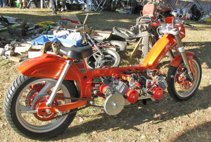 Une nouvelle moto française 8 cylindres !