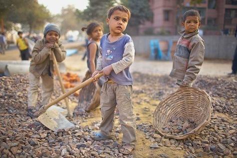 Travail des enfants, travail forcé, création d'emploi ou dialogue: autant de situations sur lesq...