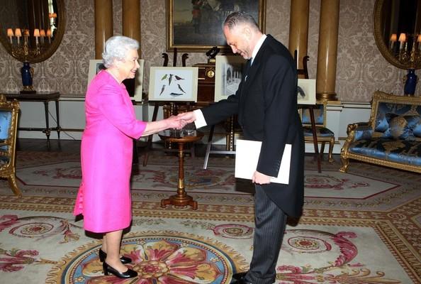 Elizabeth et le nouvel ambassadeur polonais