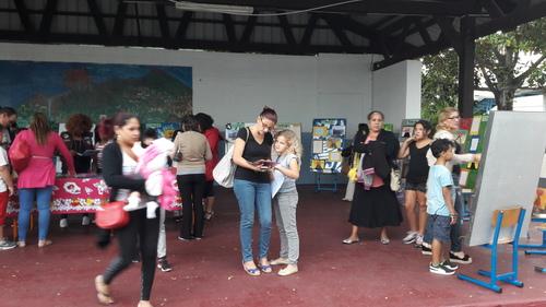 LA RESTITUTION DE NOS PROJETS DE CLASSE PAR LES CM1a