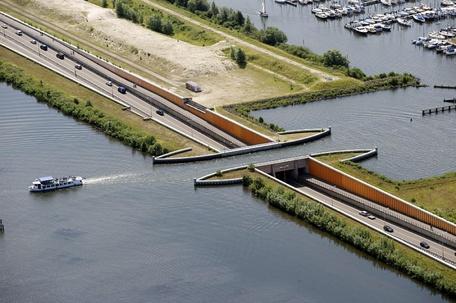 pont-pays-bas-veluwemeer-aqueduct-01
