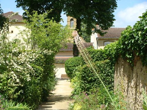 Non loin de Metz promenade dans la verdure....