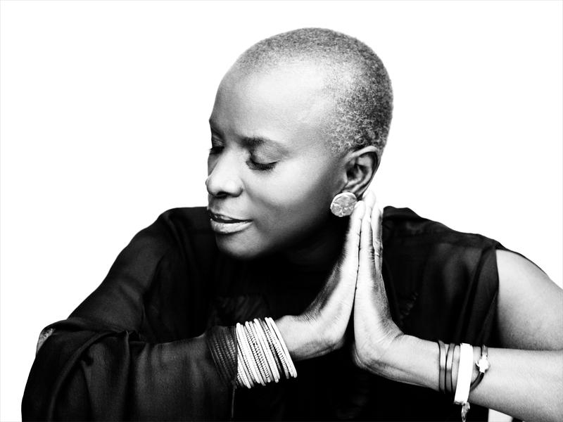 Musique:  Angélique Kidjo
