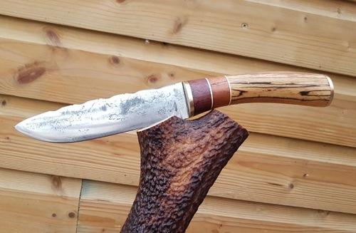 Couteau de Léo
