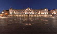 220px-Toulouse Capitole Night Wikimedia Commons[1]