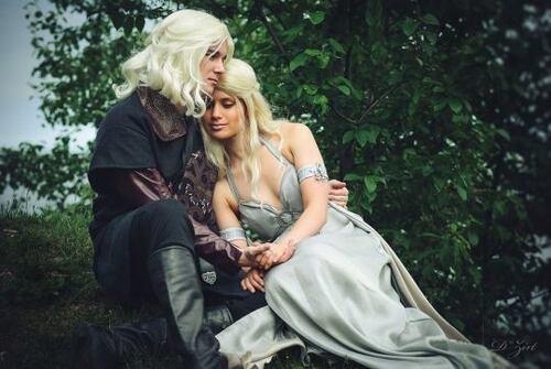 Sosie Daenerys et Viserys