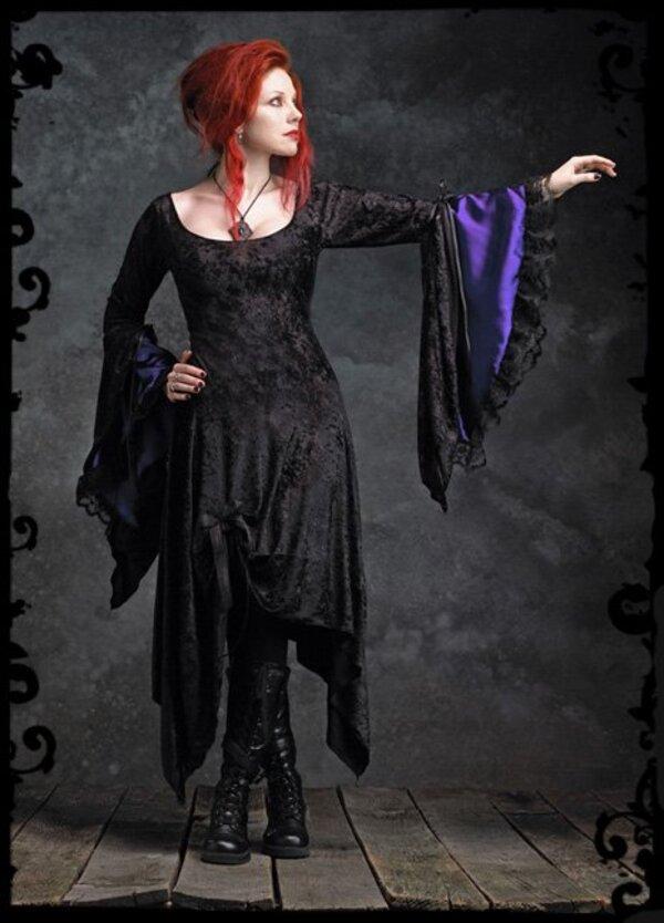 Rose Mortem, créatrice de mode