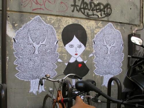 Le Chevalier Beaubourg street-art arbres