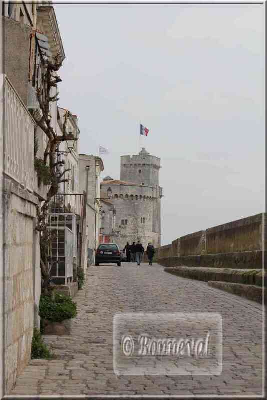 La Rochelle rue sur les Murs ancienne fortifiaction