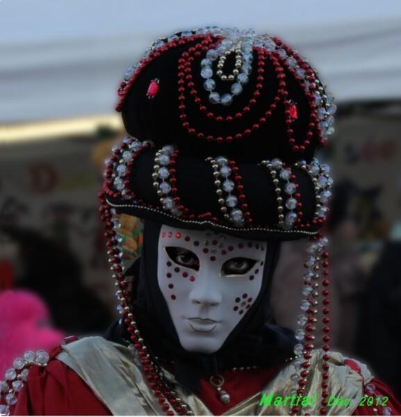 Femme-masque.jpg