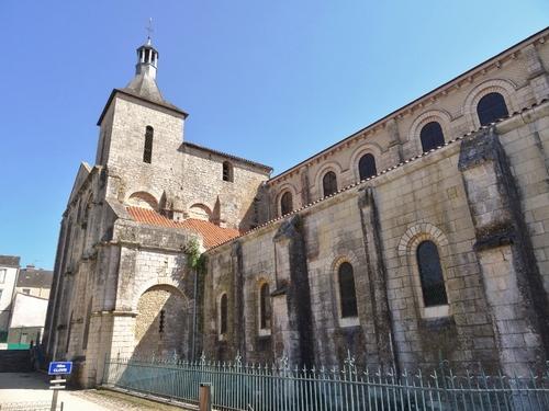 Poitiers : églises Saint Hilaire  et Saint-Jean de Montierneuf