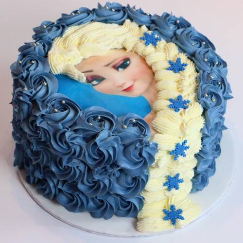 Décorer un gâteau Reine des Neiges : Elsa et sa belle tresse