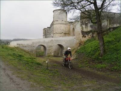 Blog de sylviebernard-art-bouteville : sylviebernard-art-bouteville, Enduro du château de Bouteville 2011