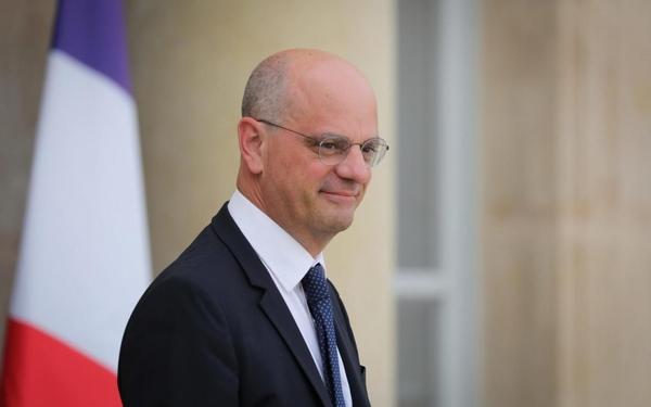 """Jean-Michel Blanquer veut donner du """"prestige"""" à la langue arabe à l'école"""