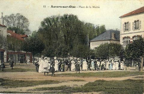 Auvers sur Oise - La mairie et sa place - Mairie d'Auvers sur Oise