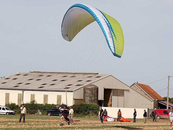 Un rassemblement National FFVL des Treuilleurs et Remorqueurs a eu lieu à l'aéro-Club de Châtillon sur Seine...