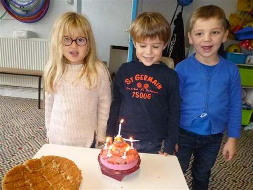 Le gâteau d'anniversaire en octobre