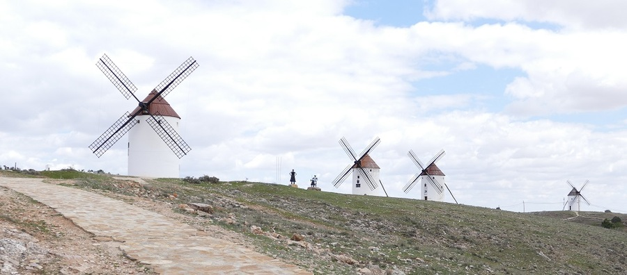 L'ESPAGNE MERIDIONALE : DE ARLACON  A