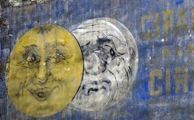 mur peint publicitaire Eclipse cirage crème
