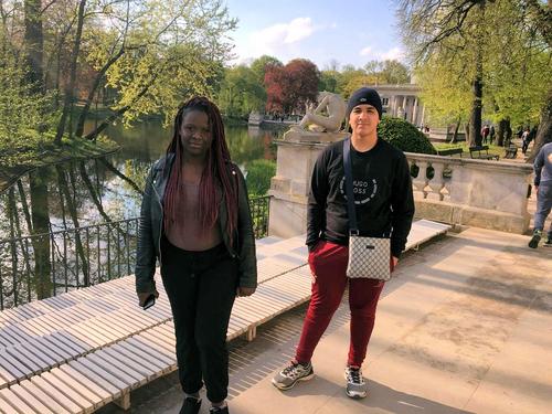 Deux élèves du lycée Lavoisier à Izabelin