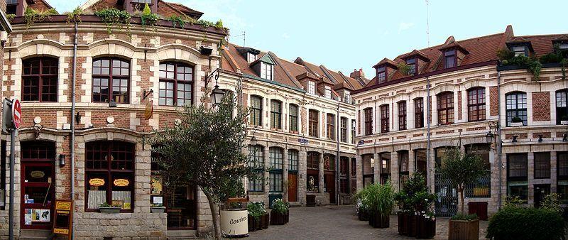800px-Lille_place_aux_oignons.JPG