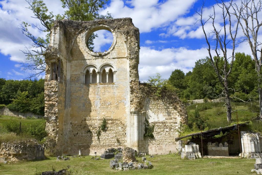 L'abbaye de Mortemer hantée et exorcisée en©Jonathan.Fotolia