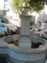 Blog de lisezmoi :Hello! Bienvenue sur mon blog!, Pertuis, les fontaines